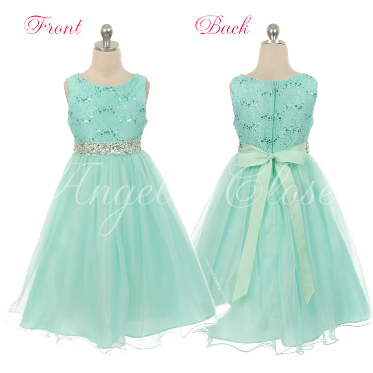 a805ade52dd78 身頃のスパンコールとウエストのラインストーンが上品に煌めきます。 光沢感のあるスカートの美しい広がりが楽しめる優雅で上品なドレスです♪
